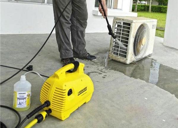 Máy rửa xe xịt rửa điều hòa Karcher