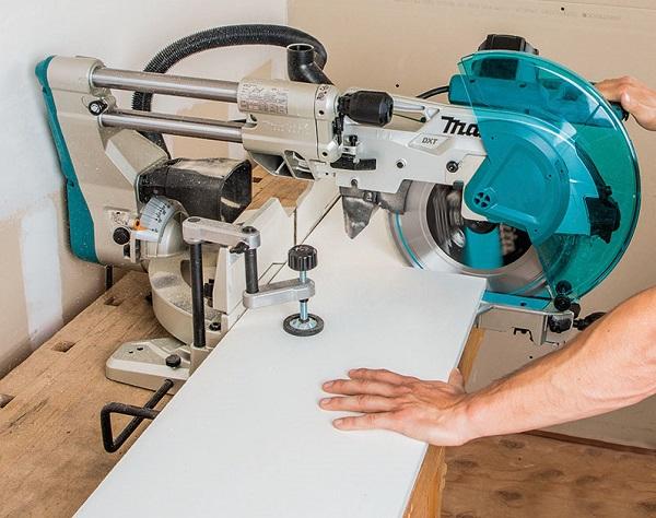 Tiêu chuẩn máy cắt nhôm
