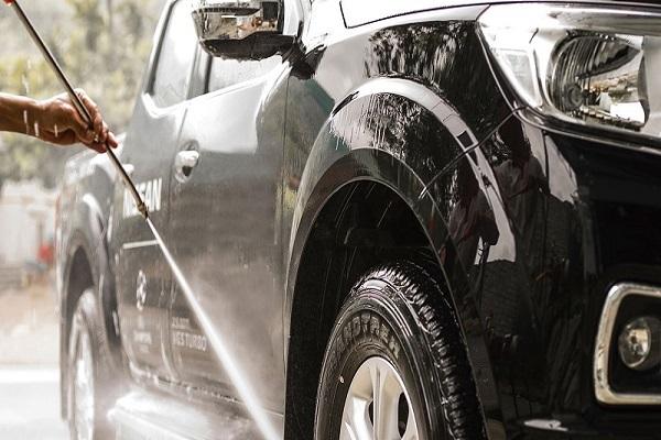 Quy trình rửa xe tại nhà đúng cách