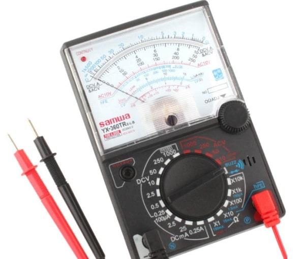Đồng hồ vạn năng kim có ưu điểm là dễ sử dụng, giá thành tốt