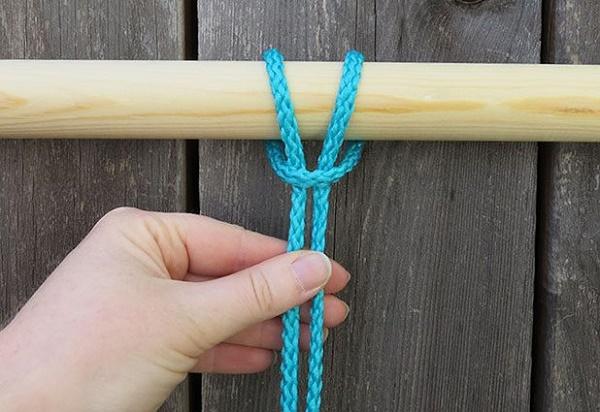 Tạo các nút thắt trên khung gỗ