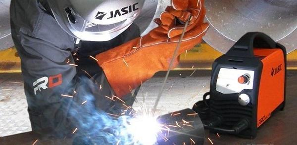 Máy hàn Jasic hoạt động ổn định, mối hàn đẹp