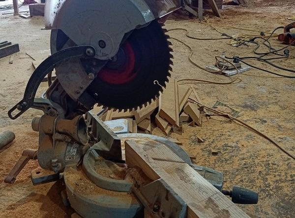 Khả năng cắt gỗ của máy cắt nhôm
