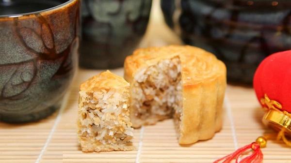 Bánh trung thu nhân dừa mang hương bị thơm ngậy
