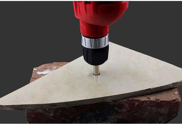 Sử dụng miếng gạch để hạn chế bị vỡ tường gạch