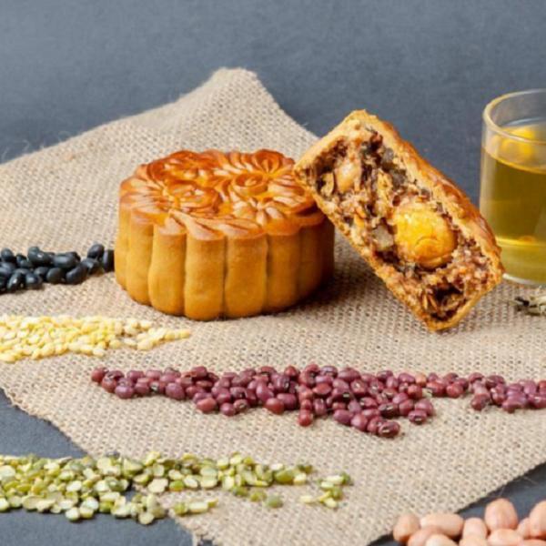 Ăn bánh trung thu vào các bữa phụ, chọn bánh làm từ ngũ cốc