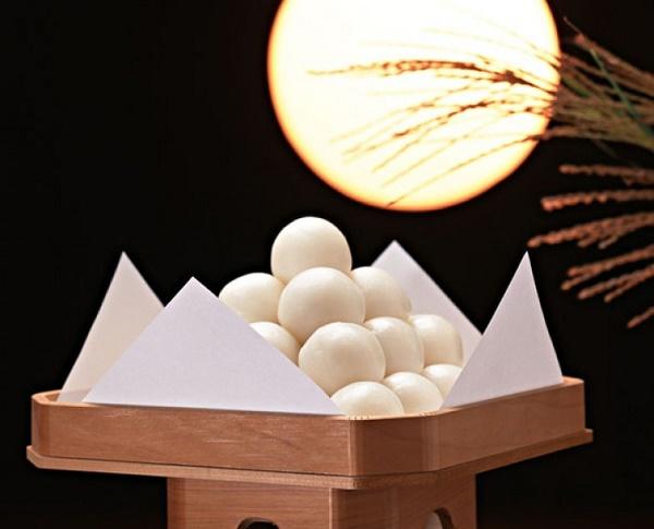 Bánh Tsukimi dango truyền thống của người Nhật trong ngày Trung thu