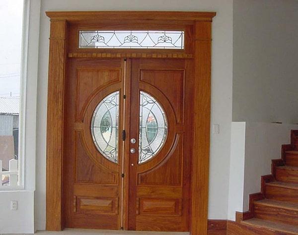 Lắp đặt cửa gỗ đúng cách để đảm bảo chống xệ cánh