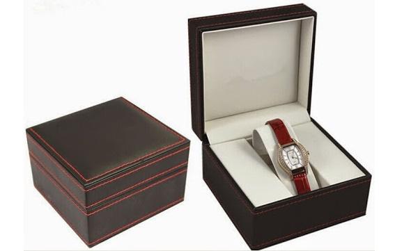 Quà tặng đồng hồ thể hiện tình yêu mãi mãi