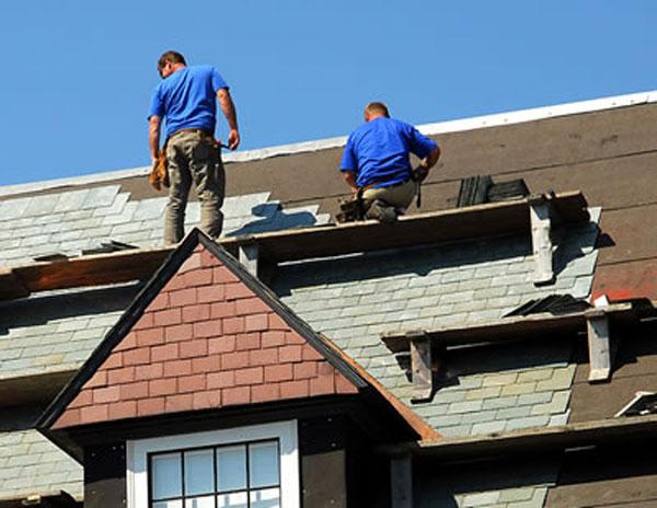 Sửa mái nhà ảnh hưởng trực tiếp đến phong thủy nên xem tuổi