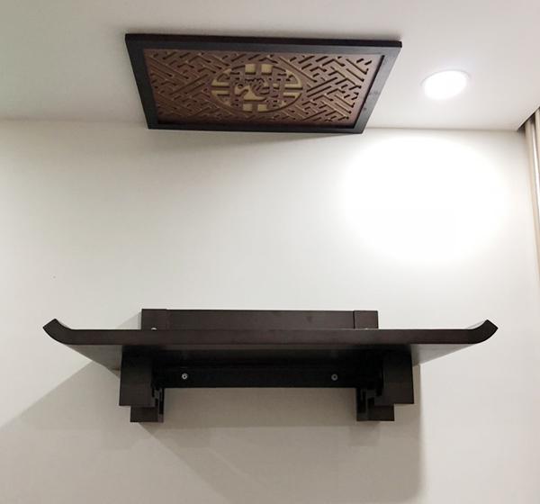 cách đặt bàn thờ là tính từ chiều cao xuống mặt đất