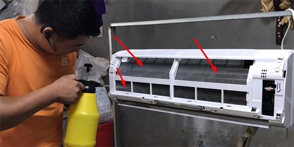 Xịt rửa vệ sinh dàn lạnh