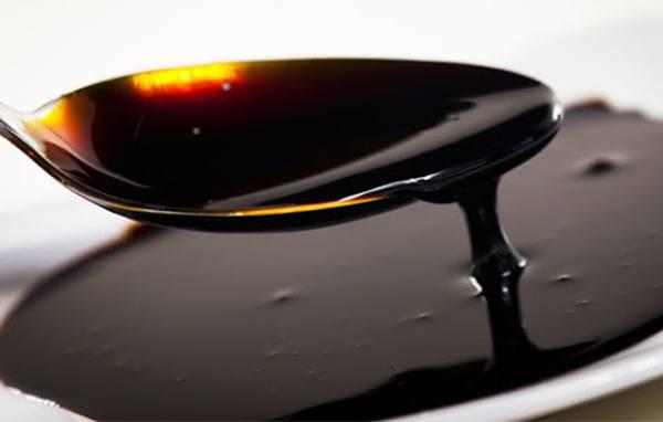 Dùng đường mật giảm pH ao nuôi tôm