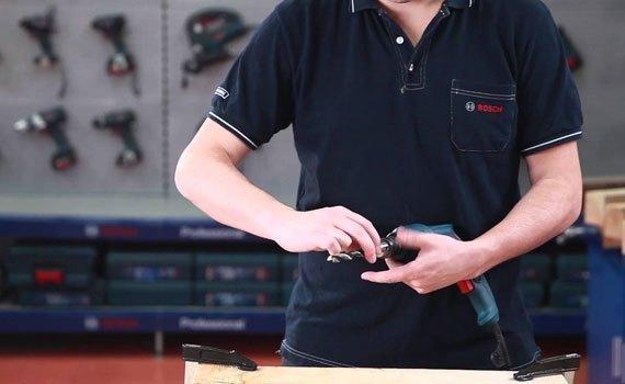 Hướng dẫn sử dụng máy khoan cầm tay Bosch
