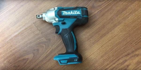 Mua máy siết bu lông dùng pin Makita DTW190Z 18V ở đâu?