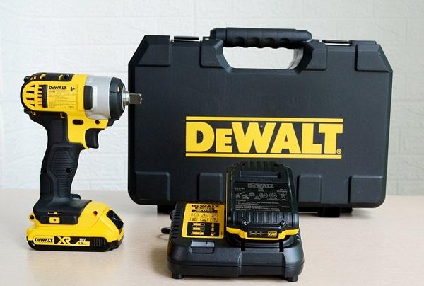 Máy vặn bu lông chạy pin Dewalt DCF880D2