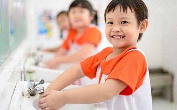 Hướng dẫn trẻ làm quen với chế độ sinh hoạt khoa học