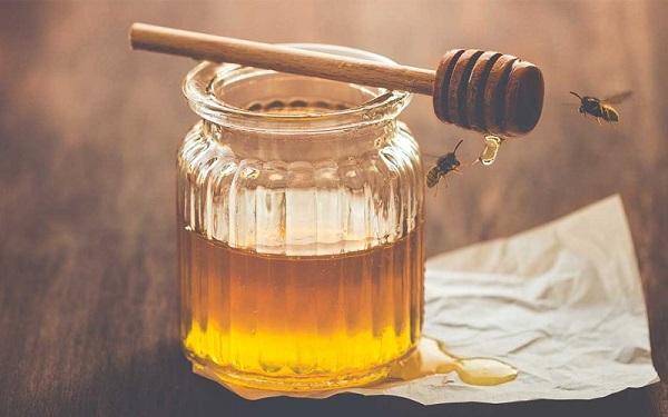 Cách bảo quản mật ong khỏi kiến