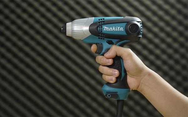 Máy vặn vít dùng điện Makita TD0101