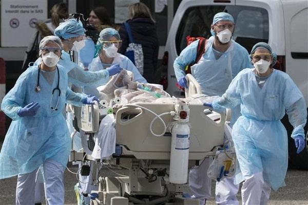 Các ca nhiễm Covid 19 tăng nhanh với bệnh nặng hơn