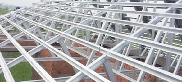 Cấu tạo và các bộ phận lắp đặt khác của mái tôn