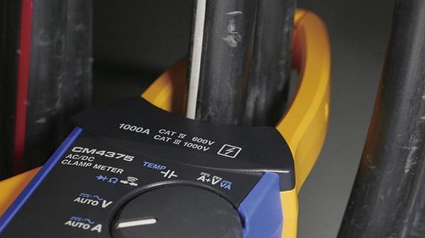 ampe kìm đo công suất