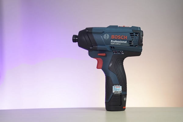 Nhược điểm của máy bắn ốc Bosch dùng pin
