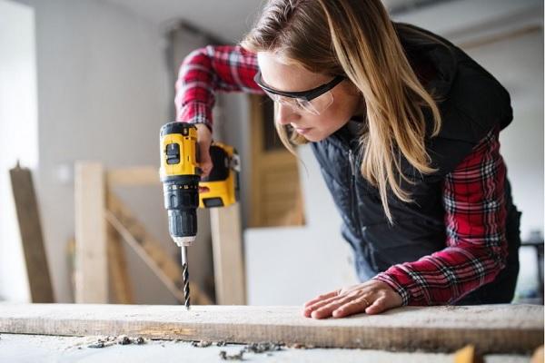Yếu tố để chọn mua được máy khoan gỗ tốt