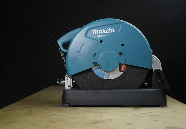 Máy cắt sắt Makita M2400B
