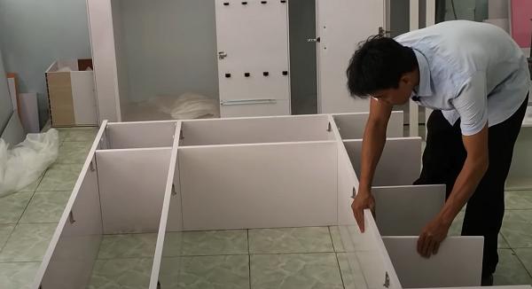 Lắp các ngăn tủ và cạnh tủ lại với nhau
