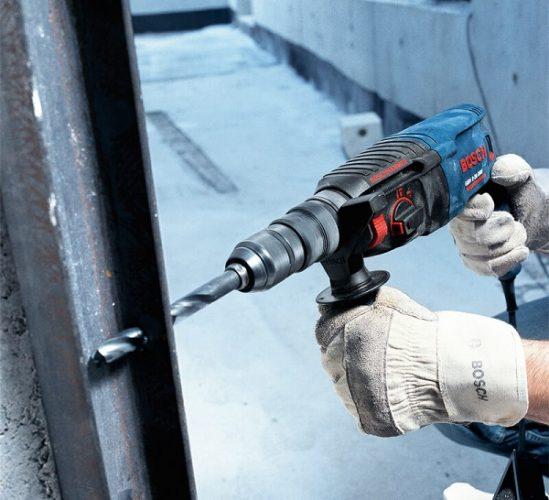 Bosch GBH 2-24 DFR hoạt động mạnh mẽ