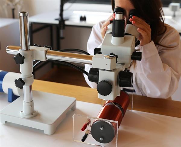 kính hiển vi soi nổi
