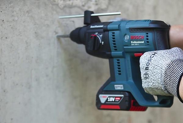 Máy khoan bê tông dùng pin Bosch GBH 180 Li BL 18V 2 pin 4Ah