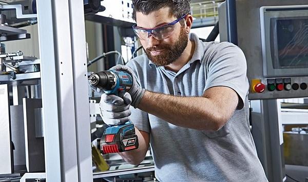 Ưu điểm nổi bật trong thiết kế của Bosch GSB 18V EC (Solo)